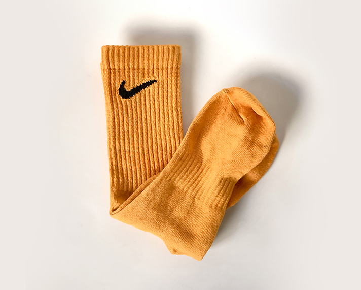 DIY-thabo-thabiso-tie-dye-socks-dry-orange