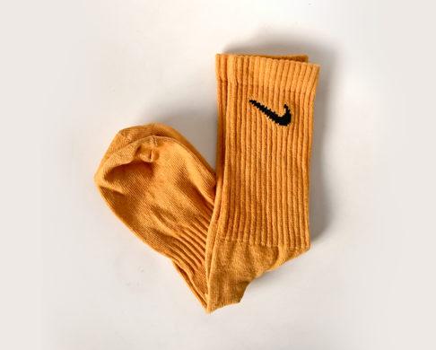 DIY-thabo-thabiso-tie-dye-socks-dry-orange2
