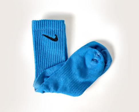 DIY-thabo-thabiso-tie-dye-socks-nike-blue2